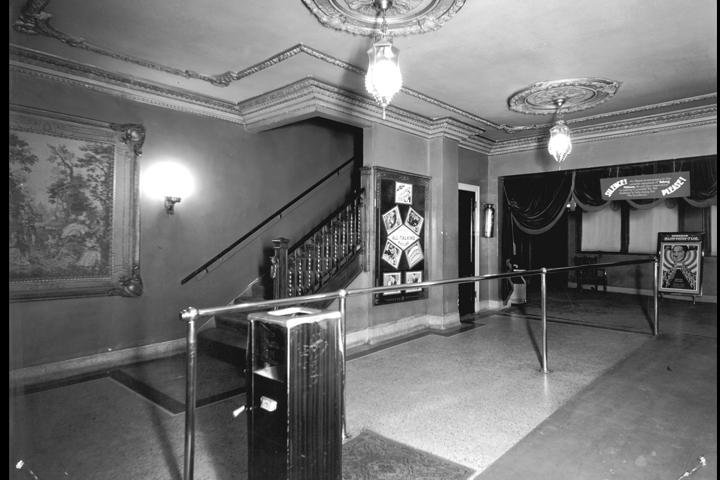 lobby-30's