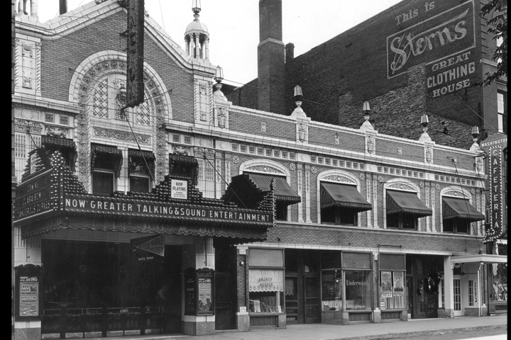 Outside Washington Theater 1920's - Quincy, IL